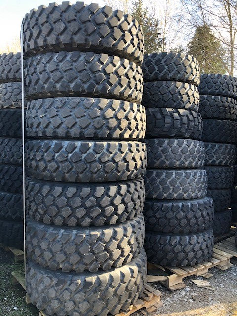 Michelin 14.00R20 XZL tyres on rims