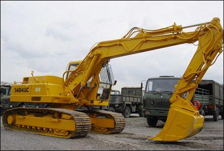 Atlas 1404LC Tracked Excavator - ex military vehicles for sale, mod surplus