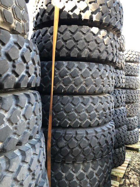 Michelin 14.00R20 XZL tyres