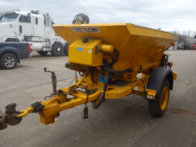 Econ towed gritter trailer