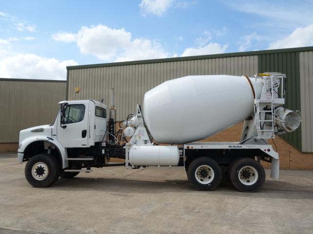 Freightliner 6x6 concrete mixer truck