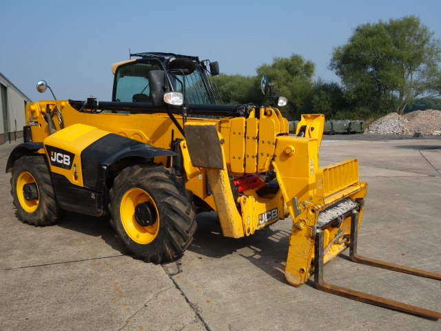 military vehicles for sale - JCB 540-170 HI VIZ 2013