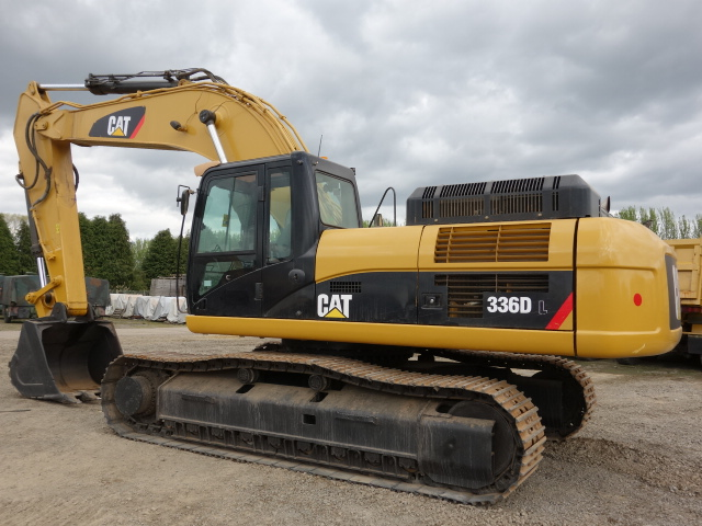 military vehicles for sale - Caterpillar Tracked Excavator 336DL 2011