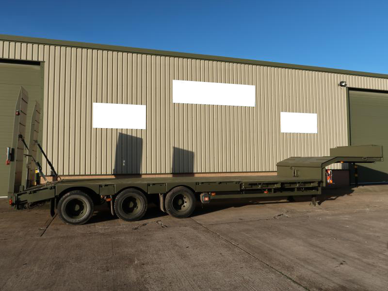 military vehicles for sale - Broshuis E2130 Tri Axle Step Frame Low Loader Trailer
