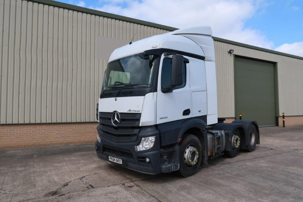 military vehicles for sale - Mercedes Actros 2545 6x2 Tractor Units