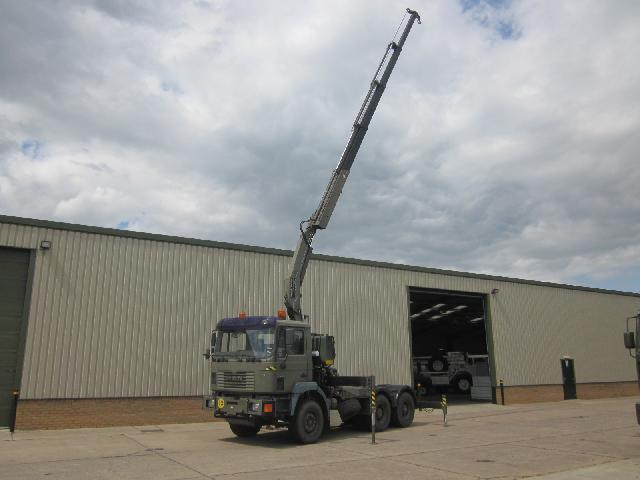 Man 33.414 Tractor Unit with Fassi F210 5 section hydraulic crane