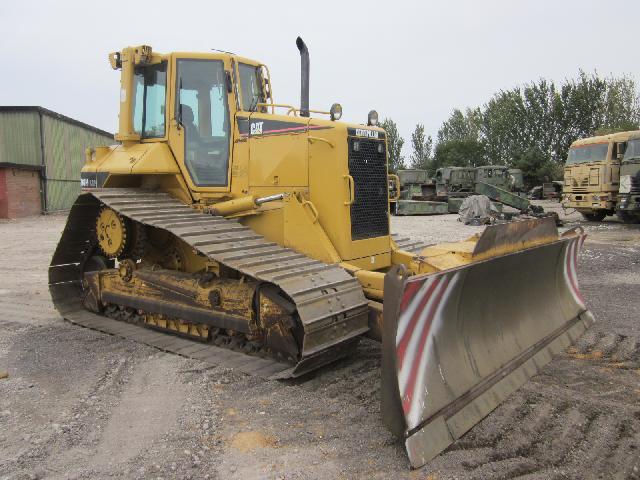 Caterpillar Bulldozer D6N LGP - ex military vehicles for sale, mod surplus