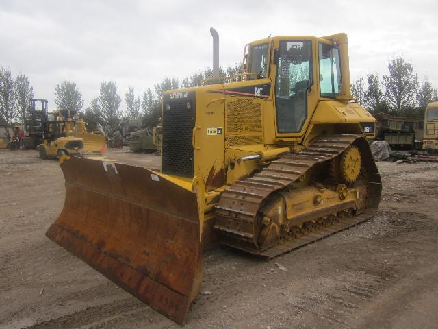 Caterpillar Bulldozer D6N XL 2004 - ex military vehicles for sale, mod surplus