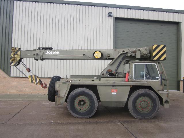 Jones IF8M crane