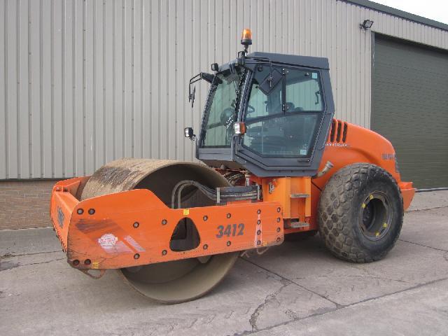 Hamm 3412 compactor roller