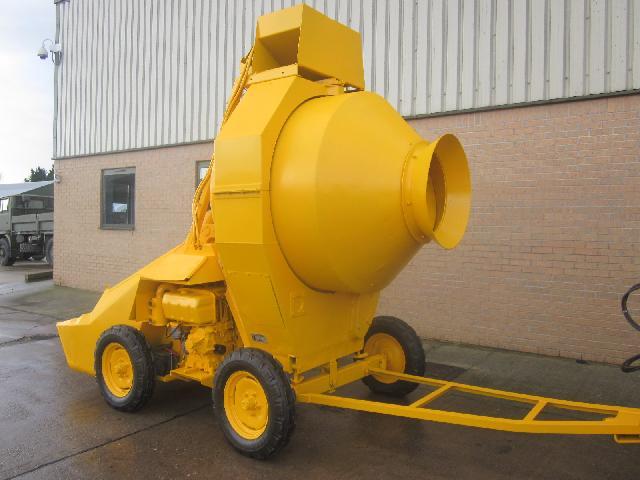 Winget 400R concrete mixer - ex military vehicles for sale, mod surplus