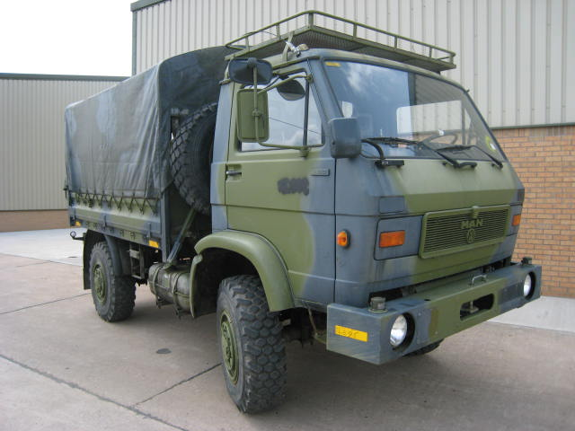 military vehicles for sale - MAN 8.136 4x4 Drop side cargo truck